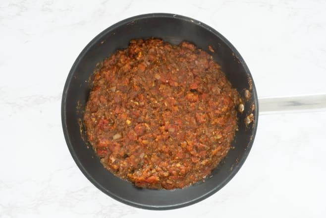 Make tomato sauce