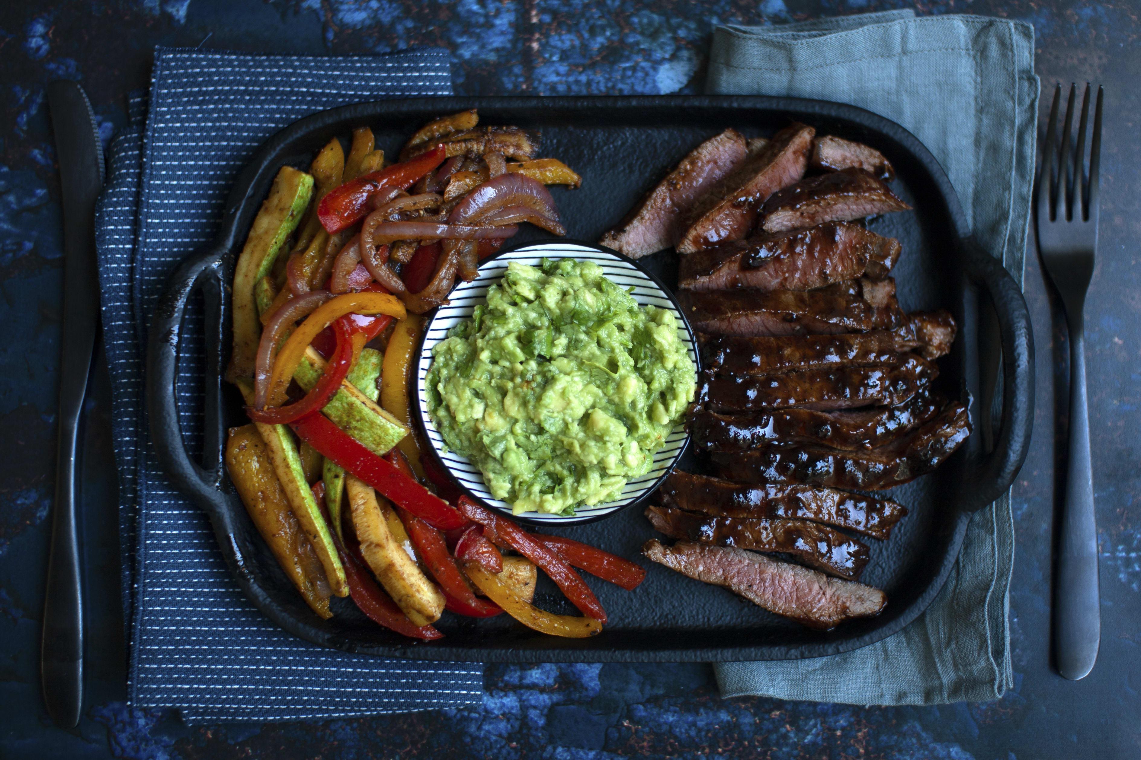 Barbecue Steak with Fajita Vegetables and Guacamole