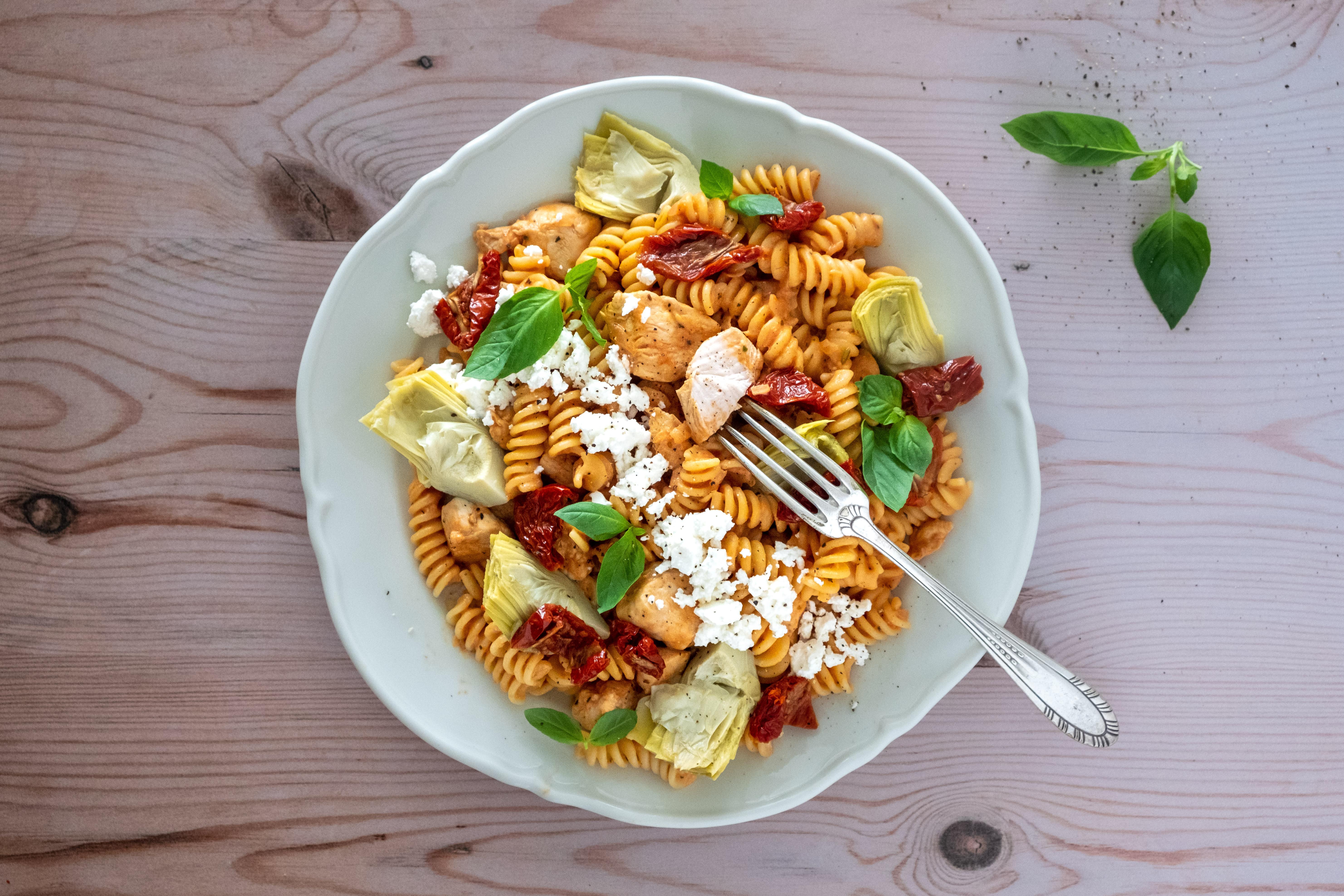 Chicken and Feta Fusilli Pasta with Artichoke Hearts and Sun-dried Tomatoes