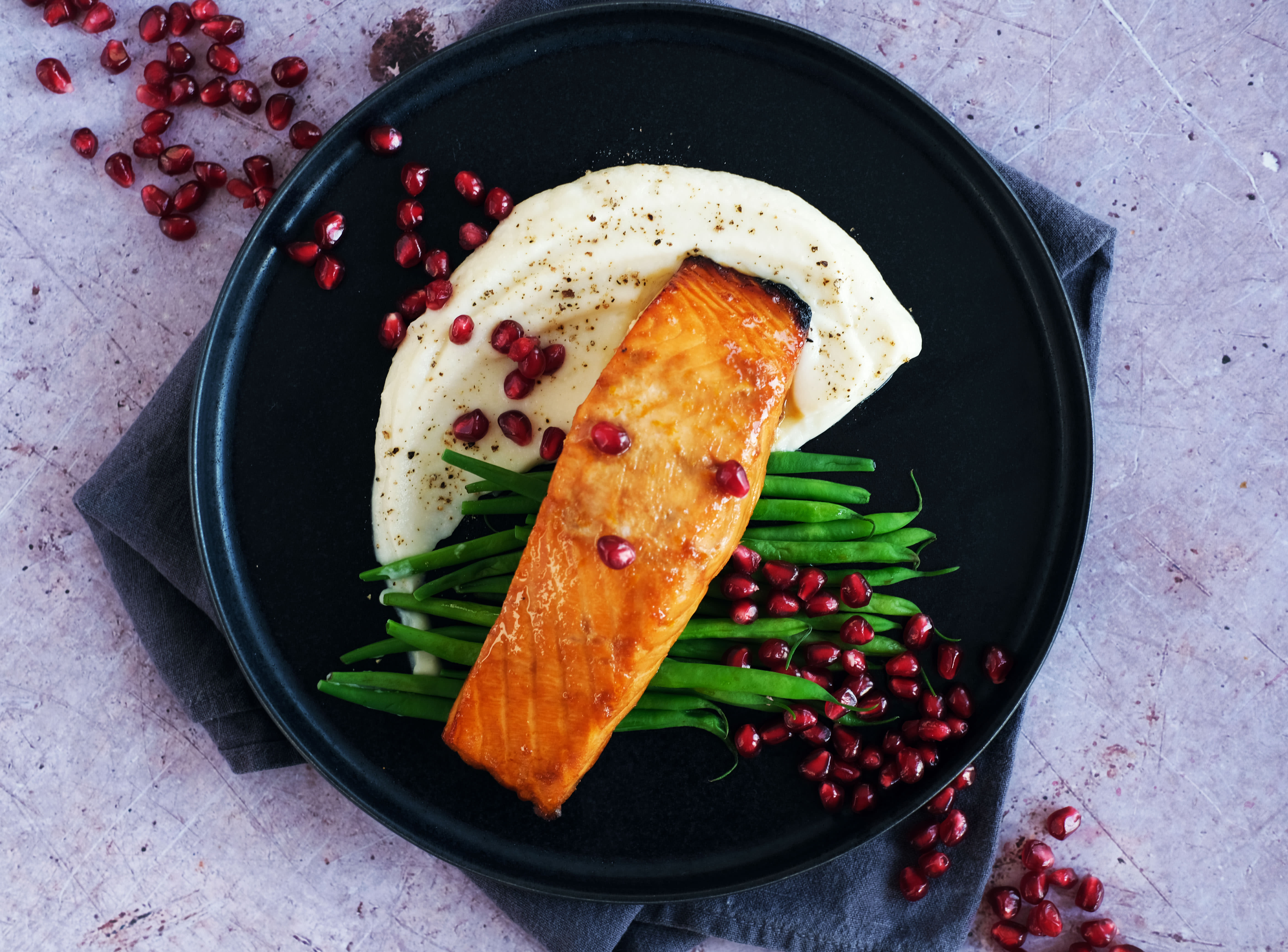 Pomegranate Salmon with Cauliflower Purée and Green Beans