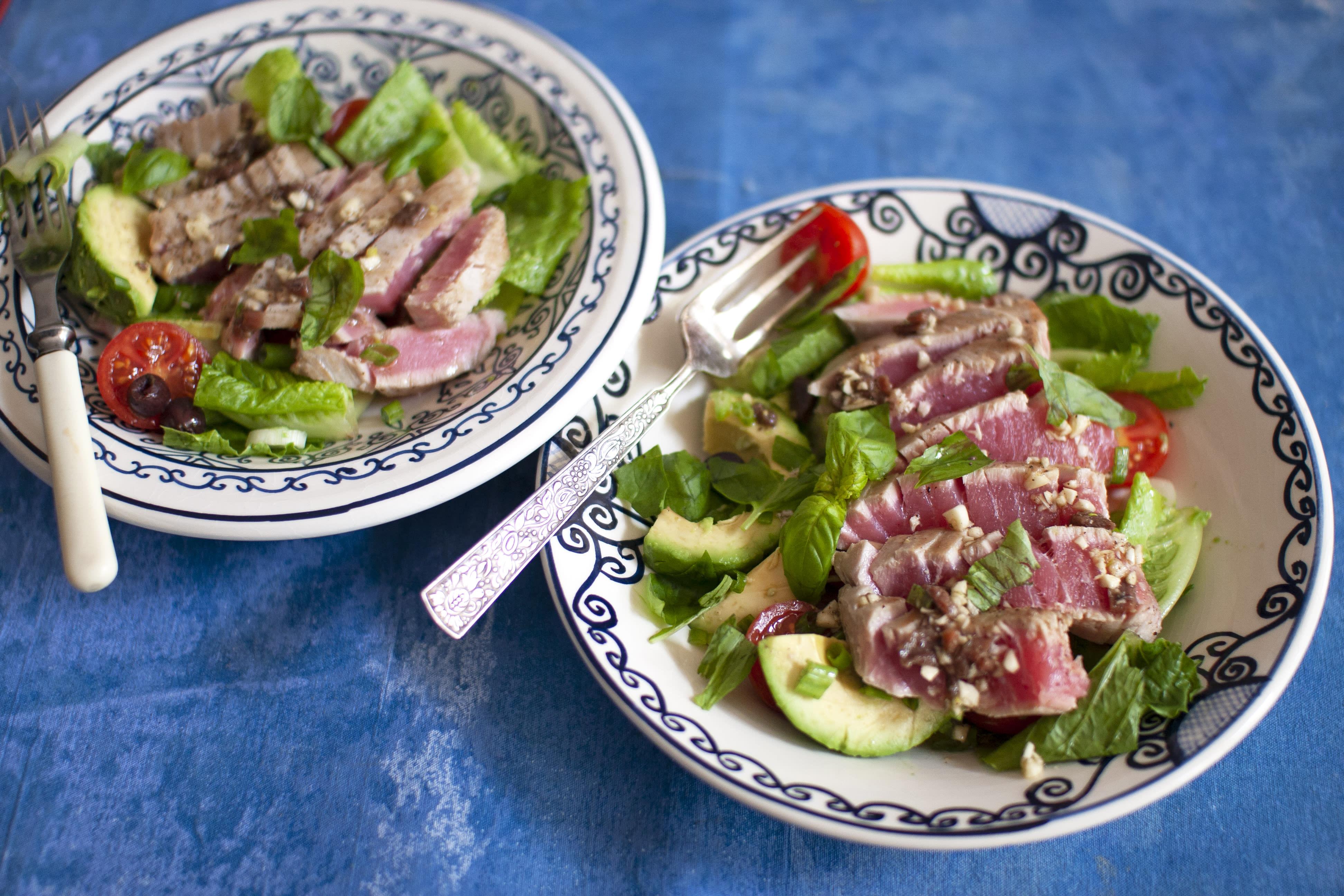 Seared Tuna with Olive and Tomato Salad