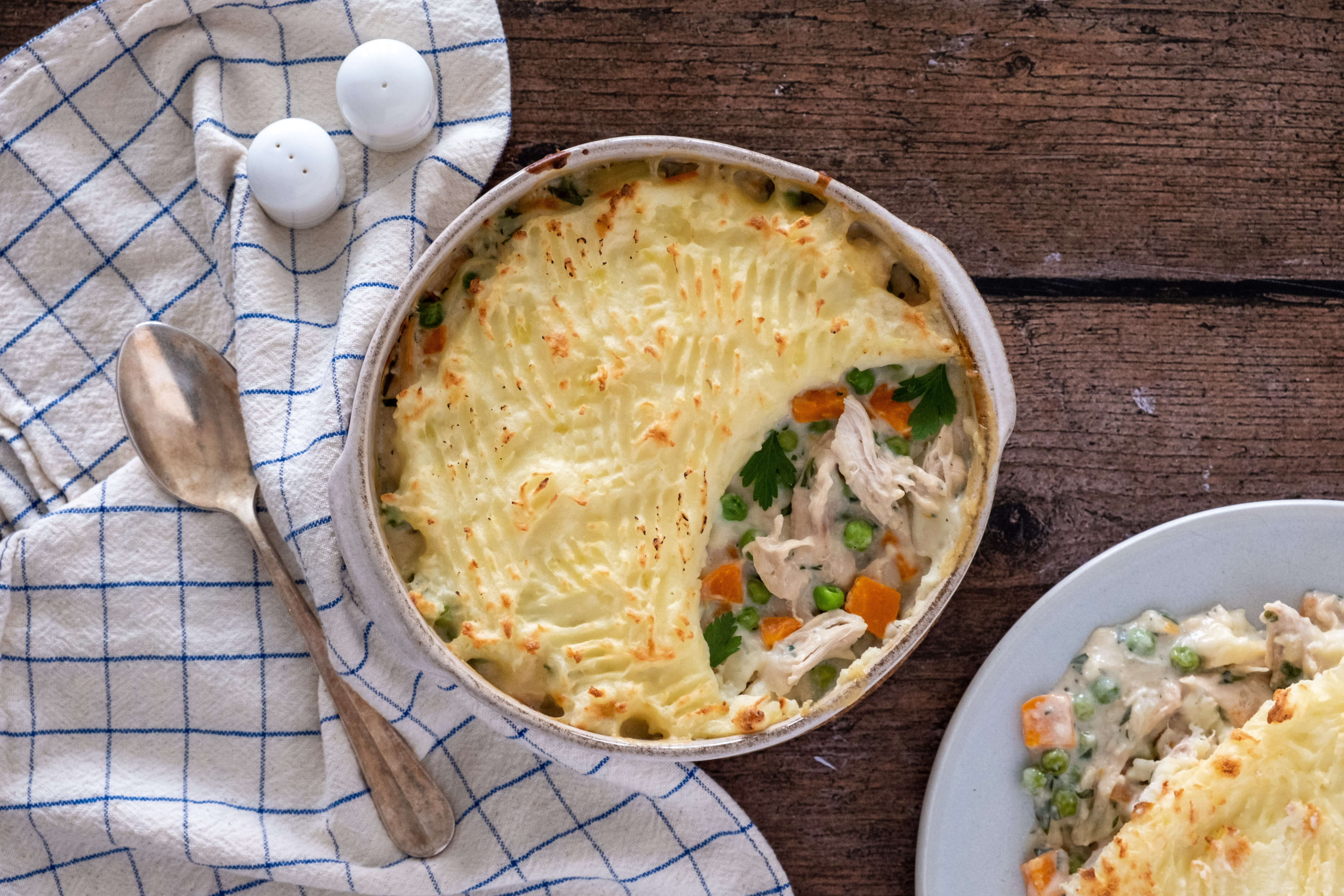 Potato Topped Cheesy Chicken and Vegetable Pie