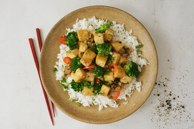 Black Pepper Tofu with Broccoli and Jasmine Rice
