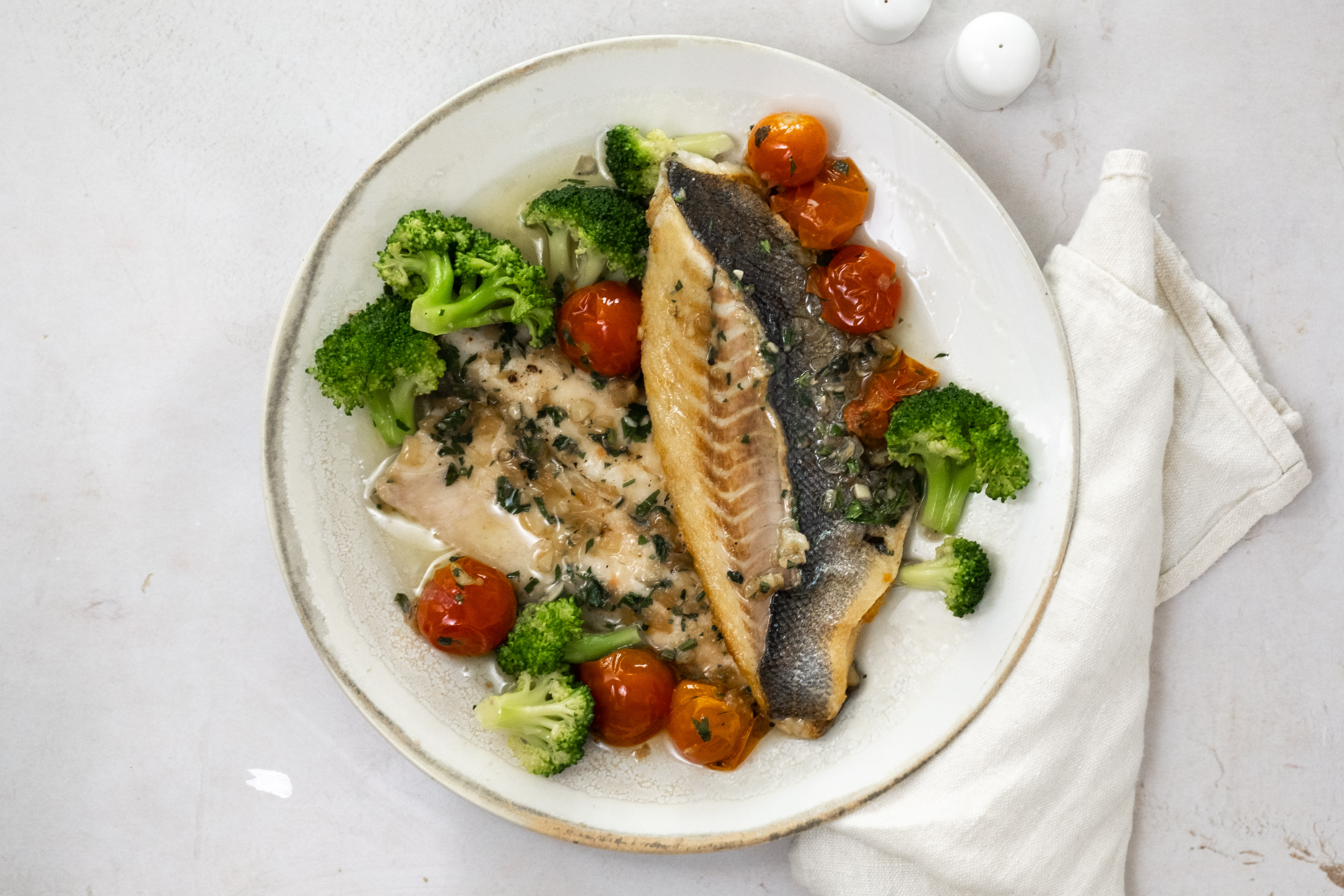 Provencale Baked Seabass with Steamed Broccoli