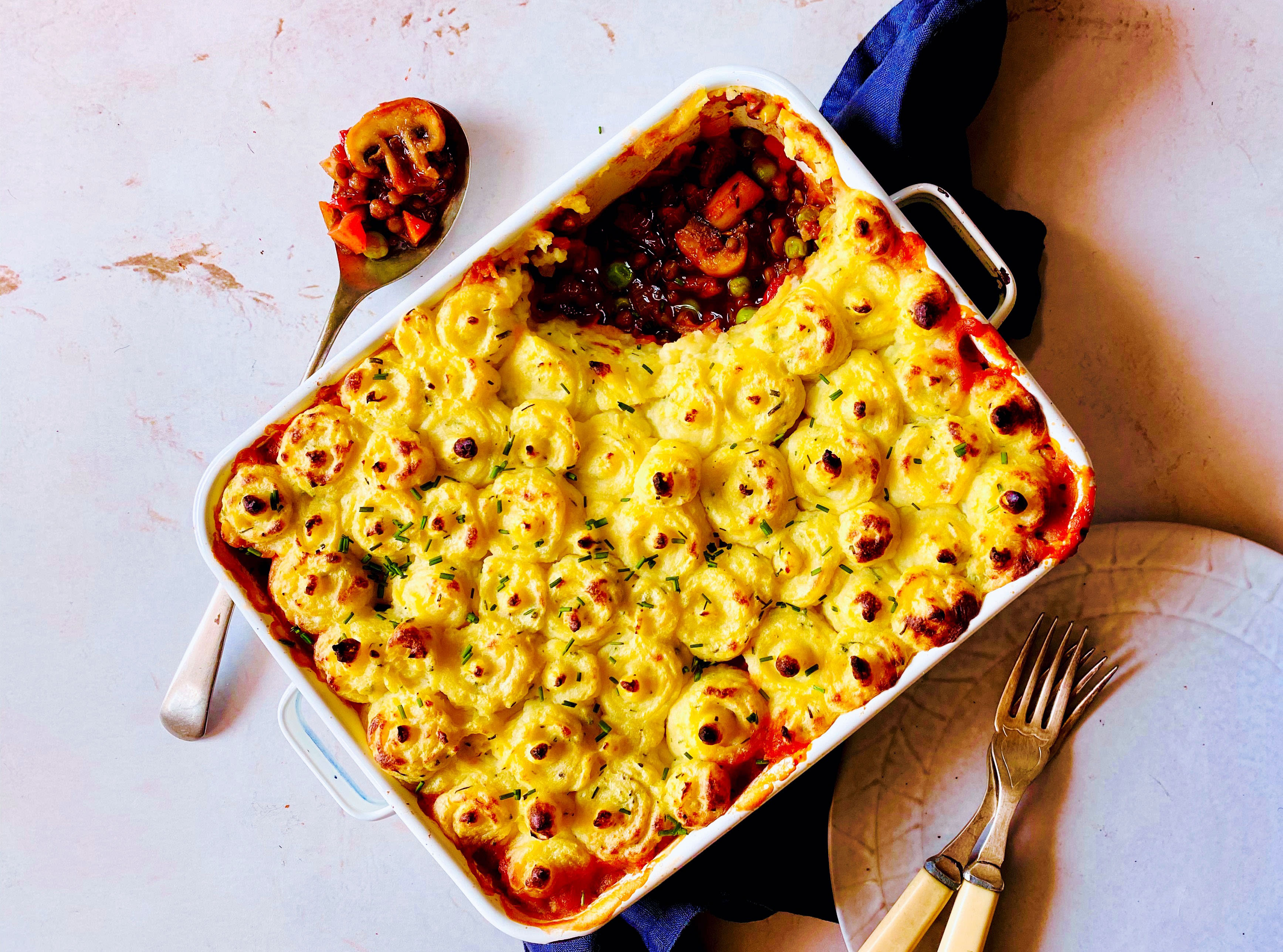 Vegan Cottage Pie with Lentils, Peas and Mushrooms
