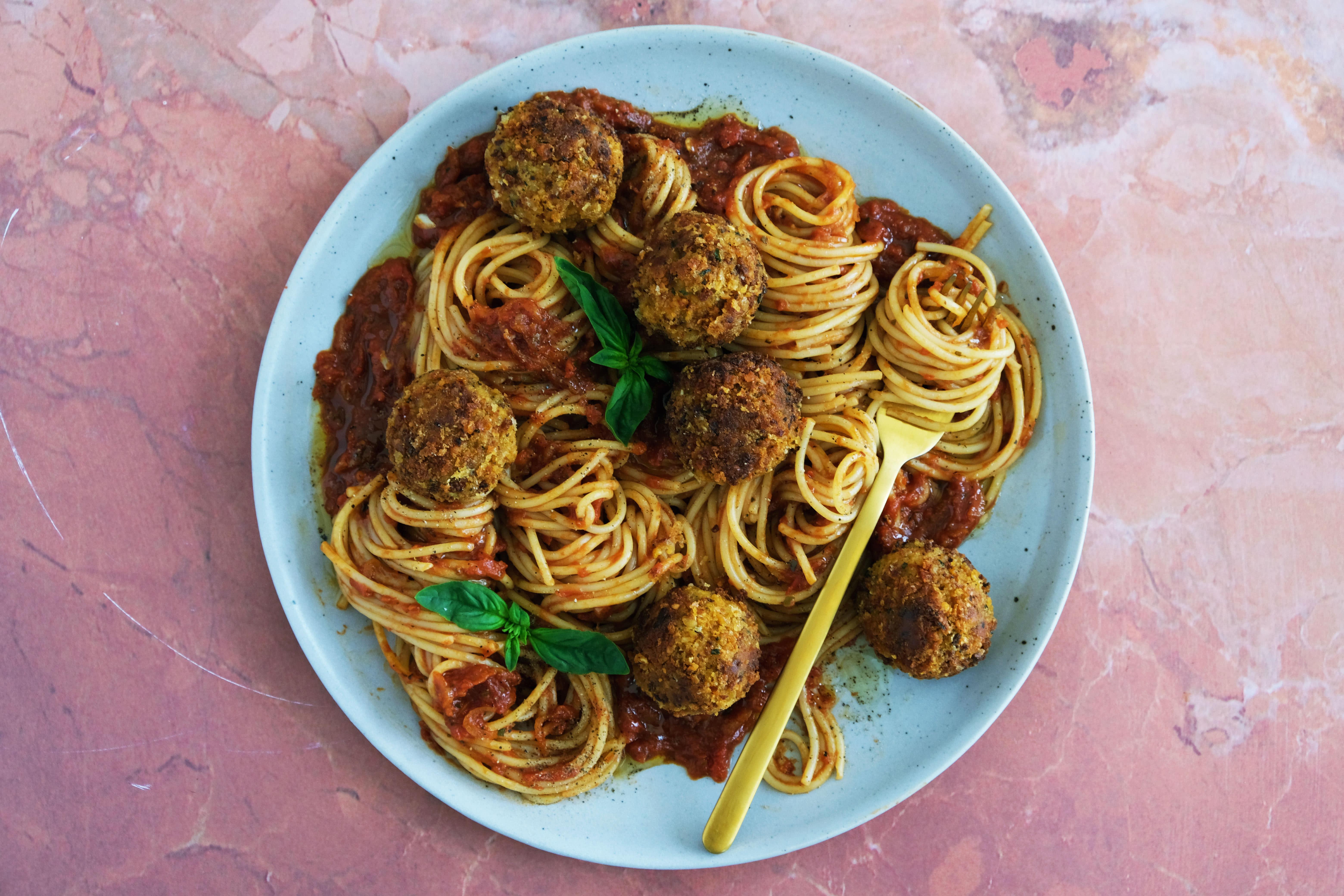 Sun-Dried Tomato and Chickpea 'Meatballs' with Spaghetti and Tomato Sauce