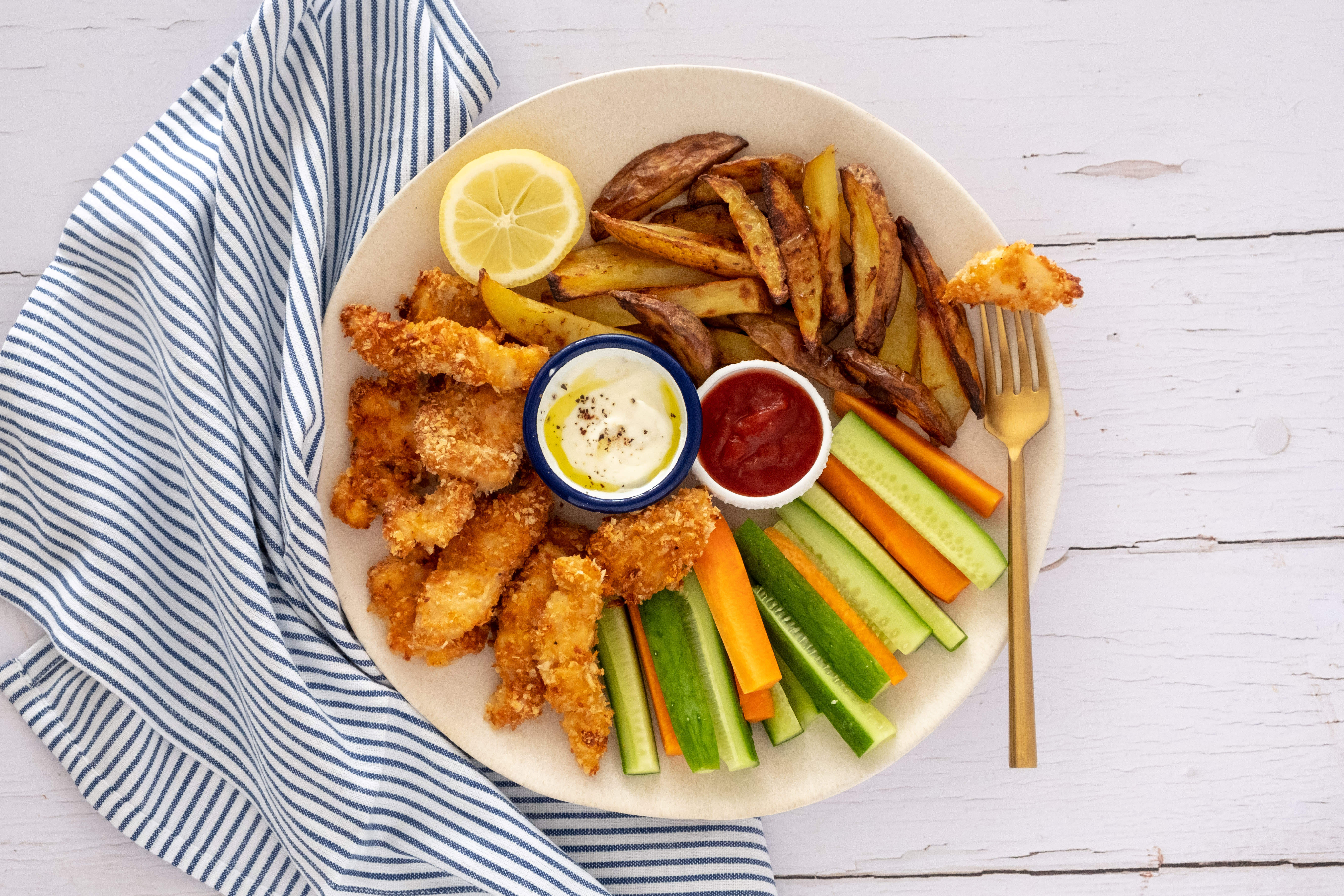 Fish Fingers, Chips and Crudités