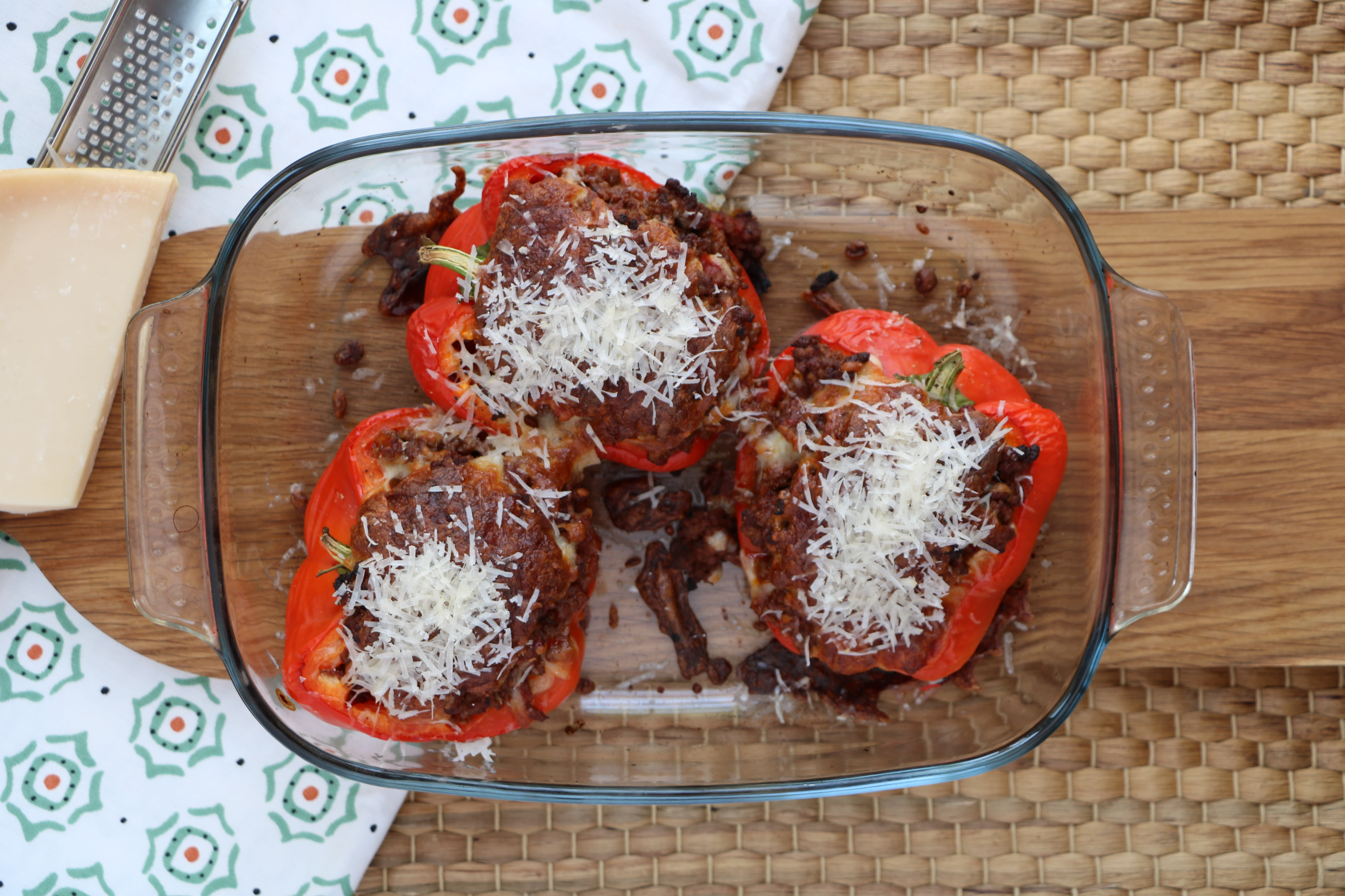 Stuffed Bell Peppers with Beef and Mozzarella