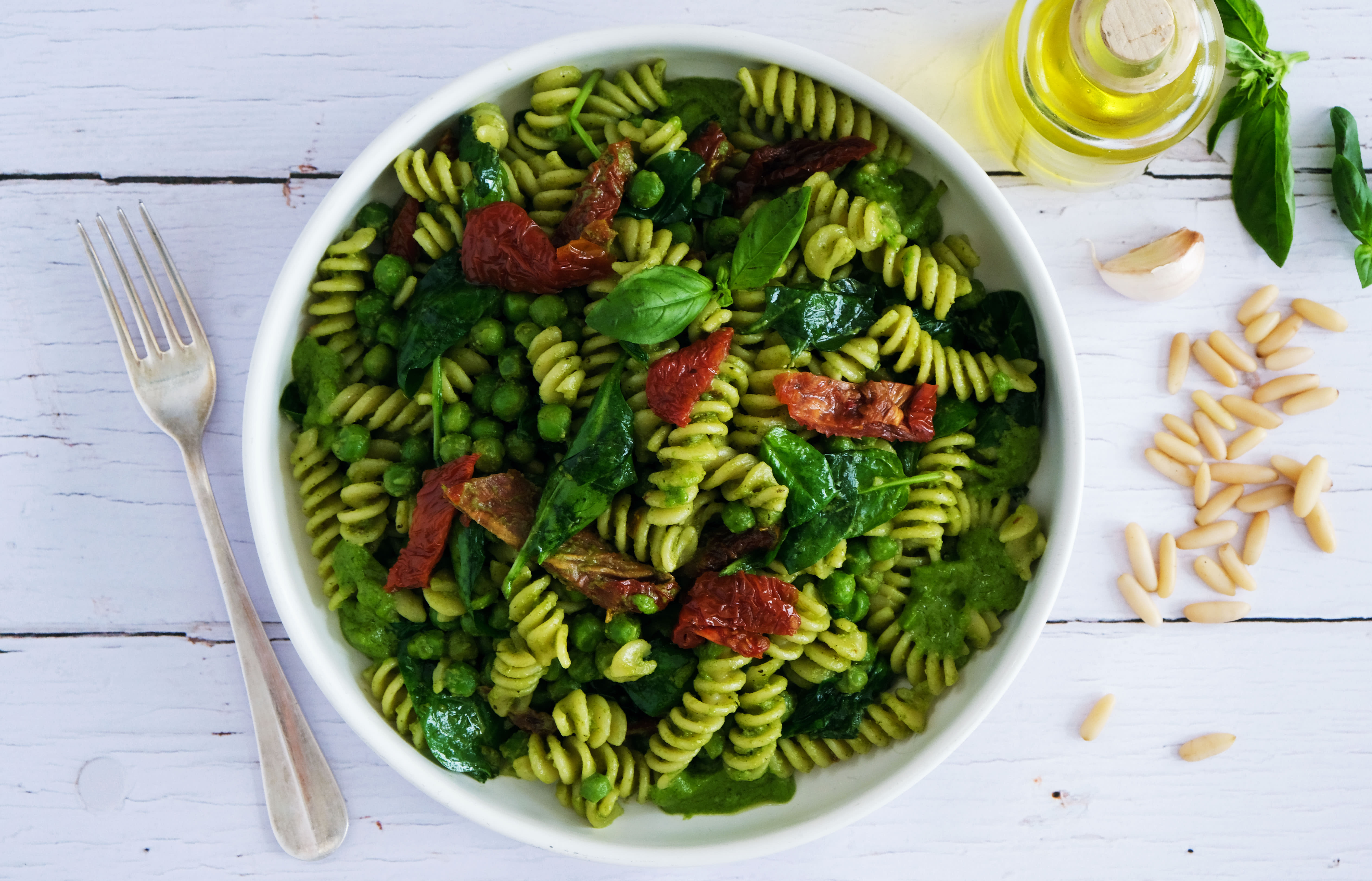 Vegan Pesto Pasta with Peas, Spinach and Sun-dried Tomatoes