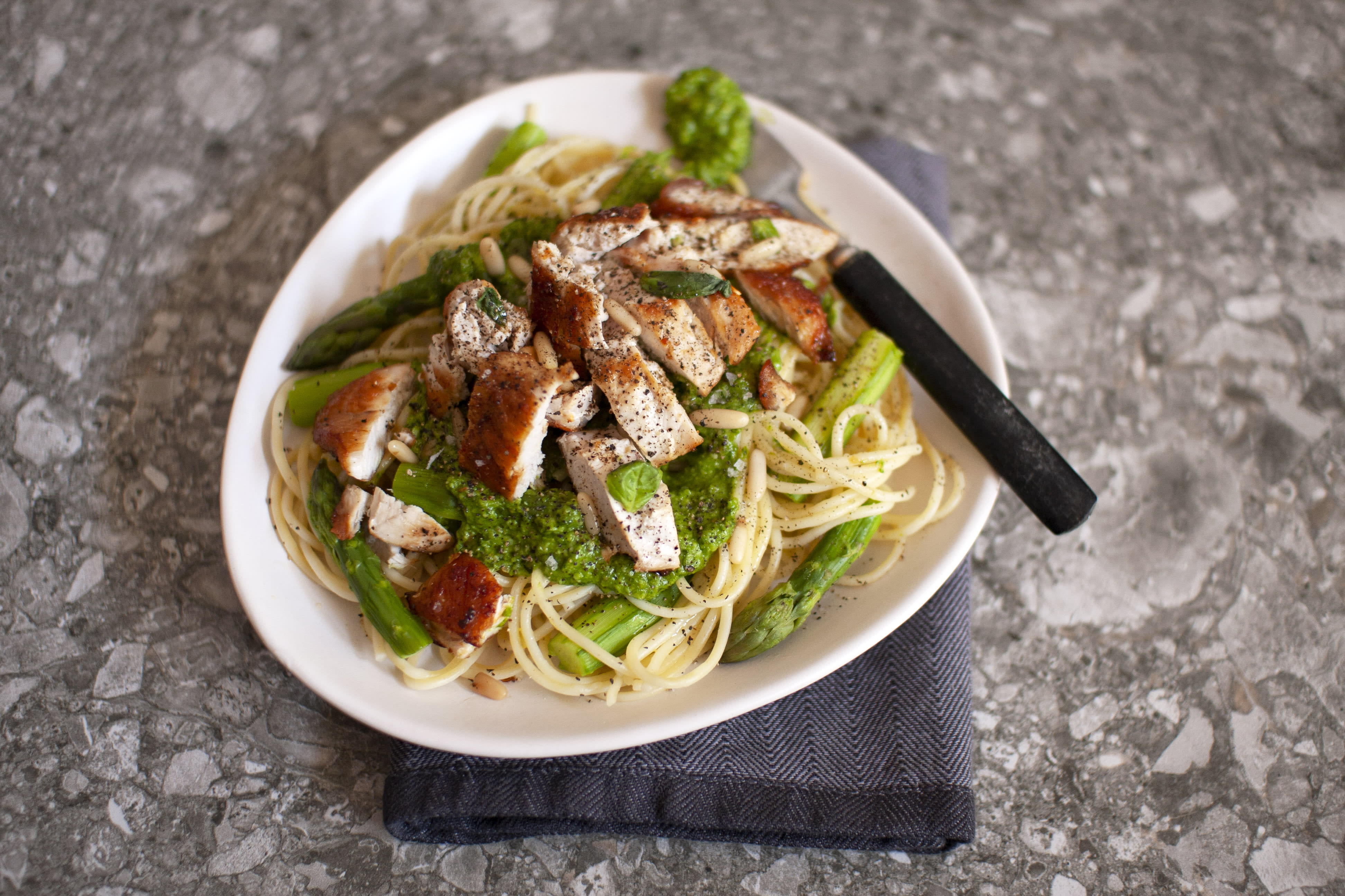 Chicken and Asparagus Pasta with Spinach Pesto