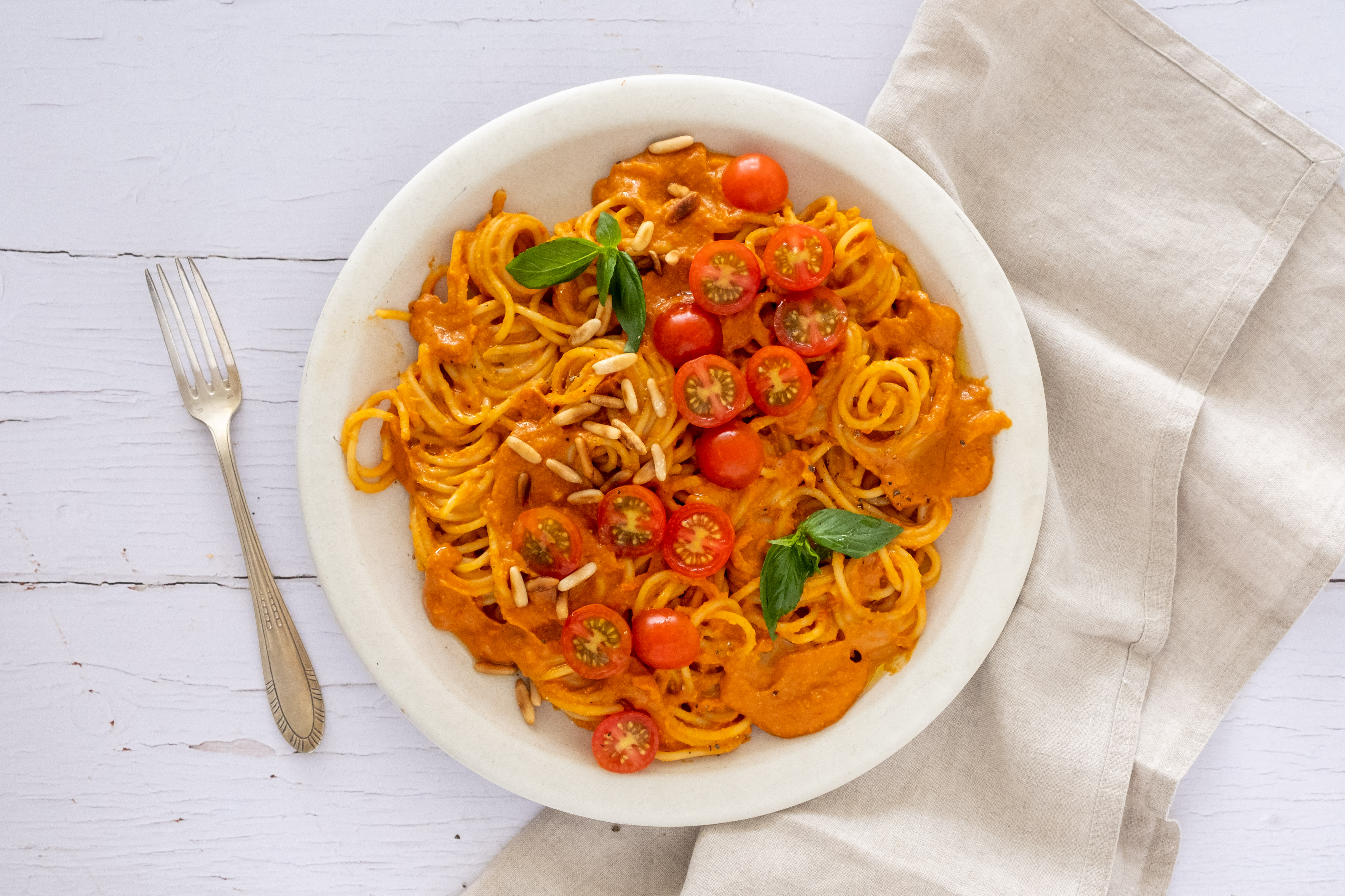 Creamy Vegan Pepper and Tomato Pasta with Pine Nuts