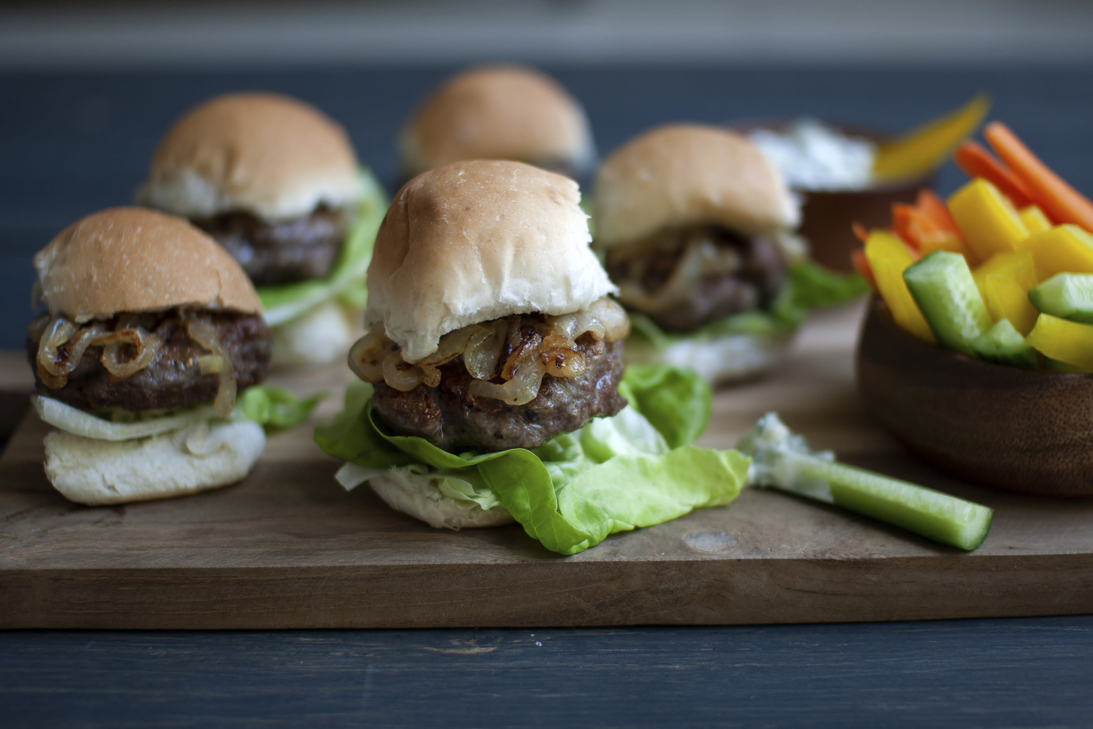 Beef Sliders with Ranch Dip and Fresh Vegetables