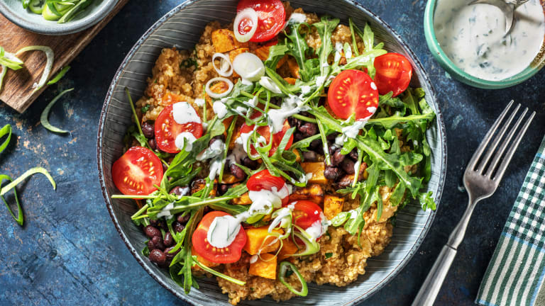 Bowl mit Tomaten-Petersilien-Quinoa,