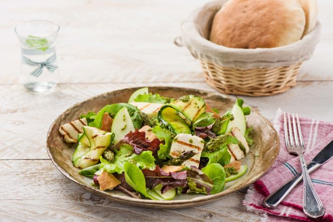 Low Carb Recipes - Fresh Haloumi Salad