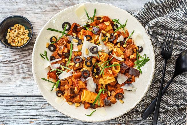 Vegetarische recepten - Rigatoni met aubergine-tomatensaus