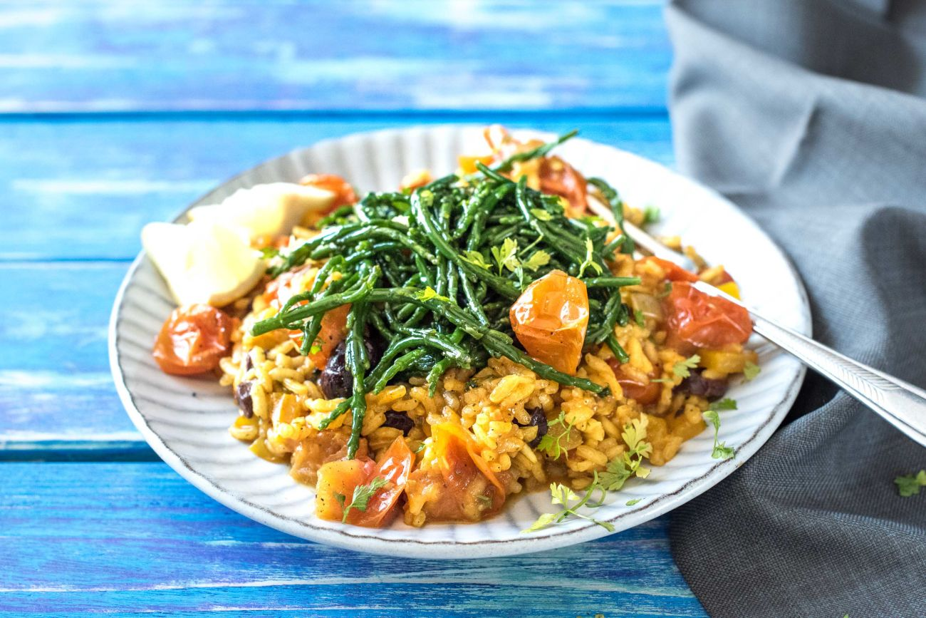Tasteology Paella with Veggies, Samphire and Olives