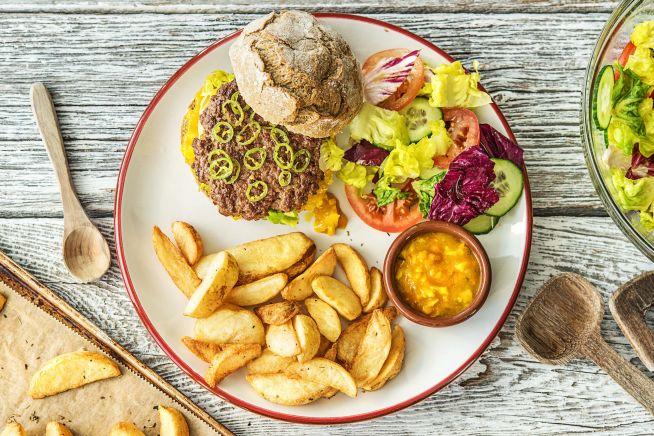 Quick & easy - Burger met pittige groene peper en piccalilly