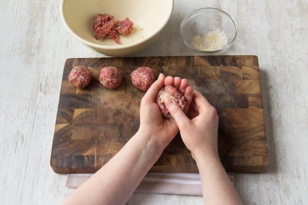 Prepare the meatballs