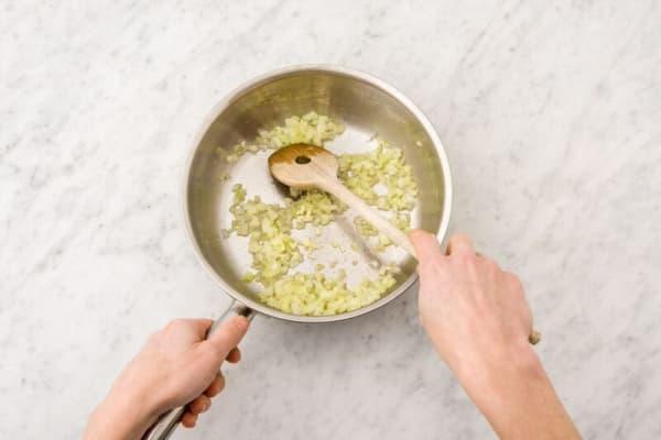 cook garlic
