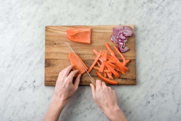 Slice the pepper