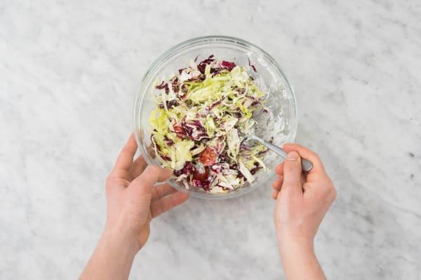 Mélangez la salade