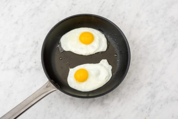 Cuire l'œuf au plat