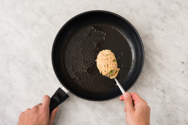 Tonijnburgers maken en bakken