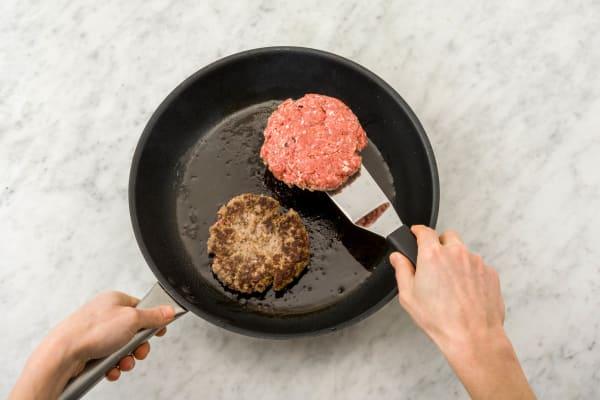 Burgerpattys anbraten