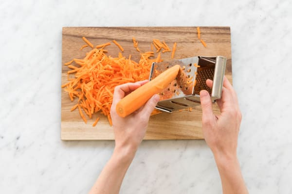 Karotten reiben