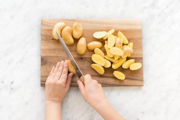 Kartoffeln halbieren oder vierteln