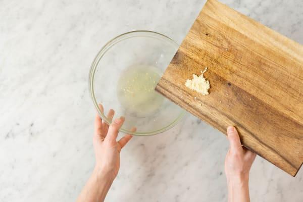 Zitronen-Marinade vorbereiten