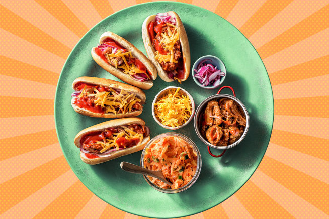 Pulled Pork Hot Dogs mit BBQ-Soße