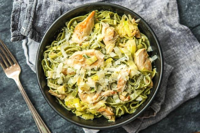 Poulet-Filets mit Spinat-Tagliatelle
