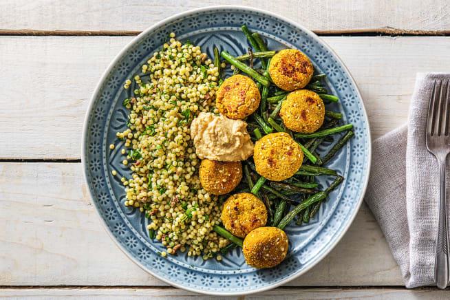 Mediterrane salade met falafel