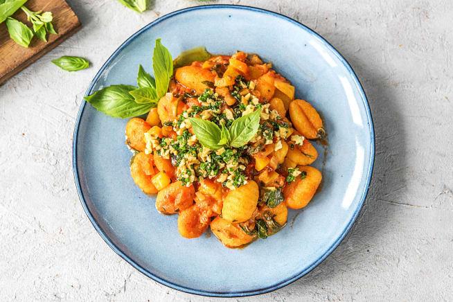 Vegetarische Gerichte - Gnocchi in cremiger Tomaten-Spinat-Sauce