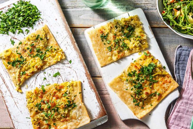 Vegetarische Gerichte - Knuspriger Flammkuchen mit Porreegemüse