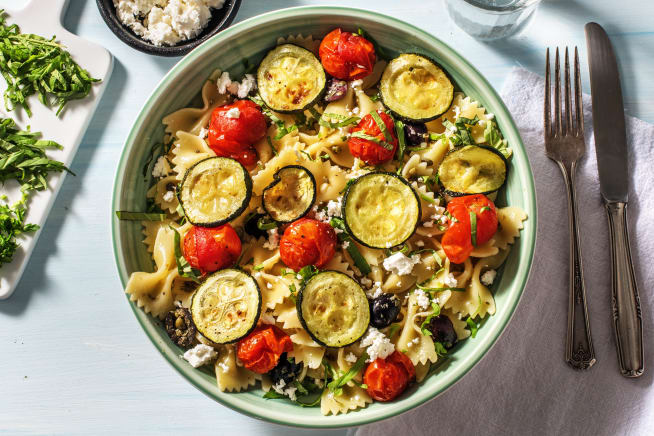 Recettes végétariennes - Farfalle aux légumes rôtis et à la feta