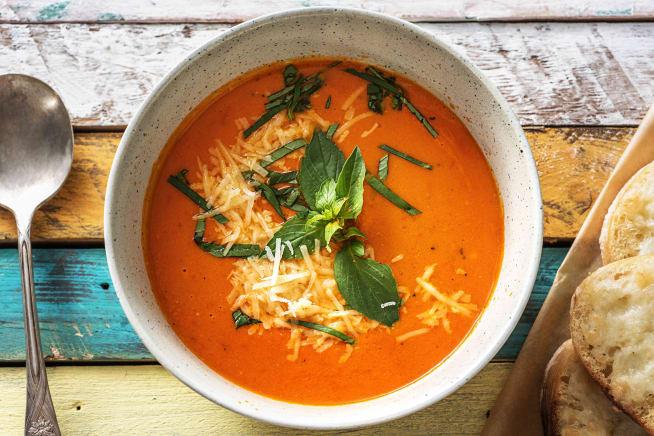 Scharfe Tomaten-Paprika-Suppe