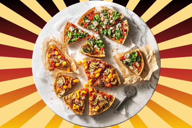 Fladenbrot-Pizzen mit zweierlei Toppings