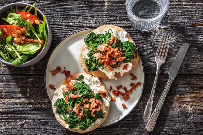 Quick & easy - Pita-pizza met ricotta, spinazie en spekblokjes