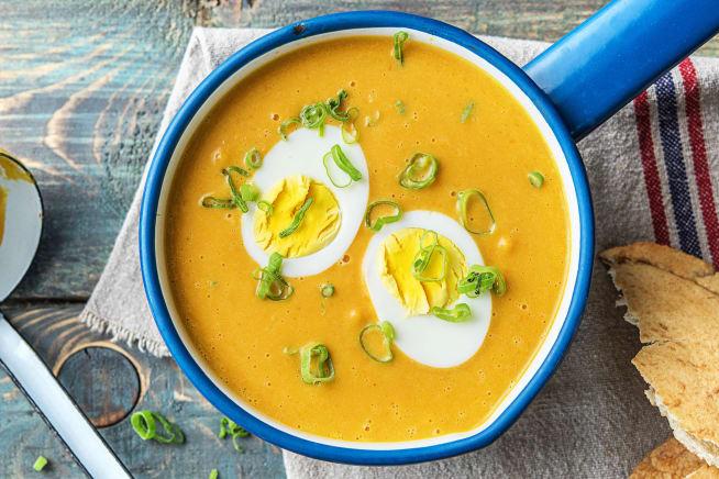 Soupe de courge et de cacahuètes aux œufs