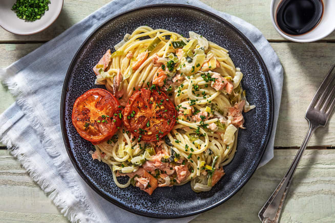 Spaghetti met warmgerookte zalm en prei-roomsaus