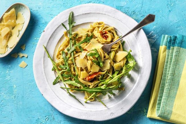 Snelle gerechten - Verse tagliatelle met pesto en courgettelinten