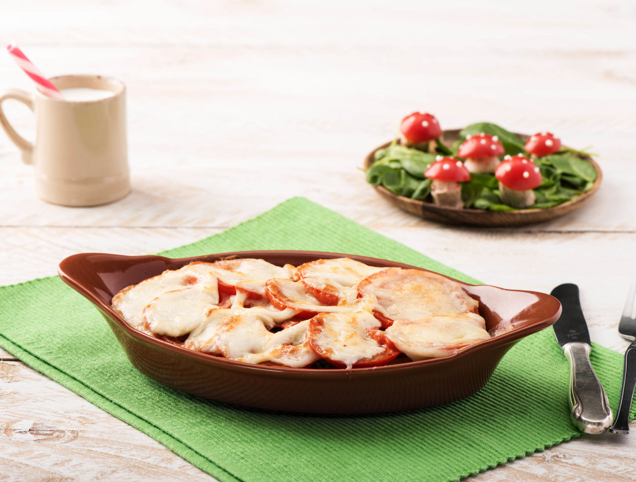 Ovenpasta met spinazie en gesmolten mozzarella