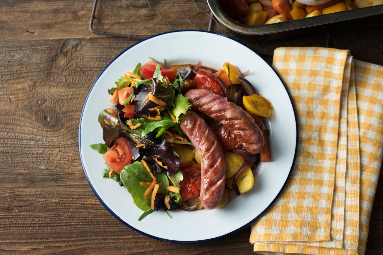 Fein gebrutzelte Salsiccia mit Ofengemüse