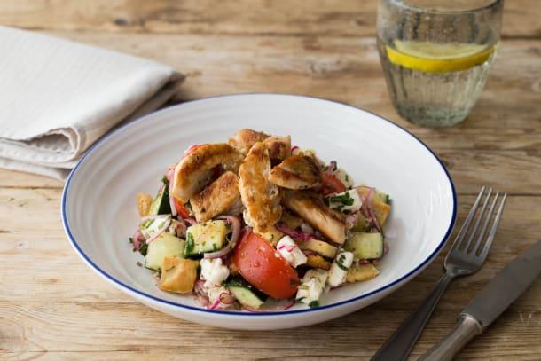 Knackiger, griechischer Salat