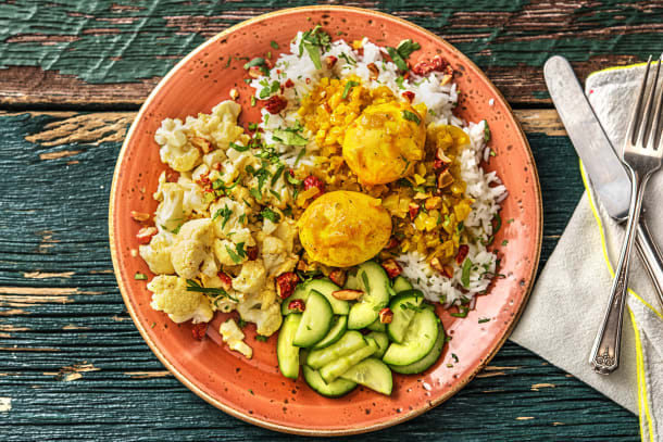 Curry met eieren en bloemkool