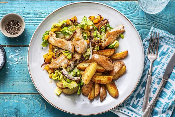 Filet de poulet et salade riche en couleurs