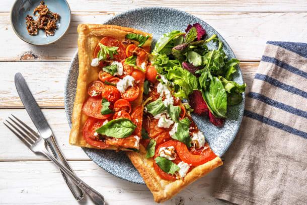 Plaattaart met drie soorten tomaat