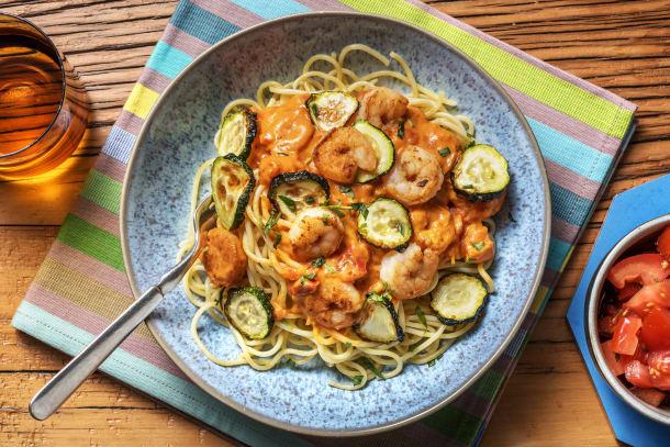 Spaghetti et crevettes à la sauce tomate